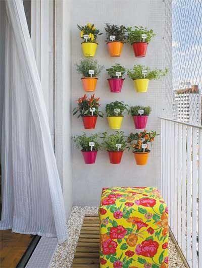 5 ideas fáciles para decorar tu balcón con macetas